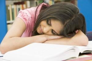 спящий студент