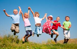 Чем занять ребенка летом