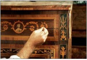 Куда лучше всего обратиться, если антикварная вещь нуждается в реставрации