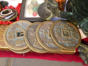 Антикварные сувениры из путешествий