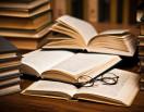 Книжные магазины превращаются в культурные центры и уходят в интернет